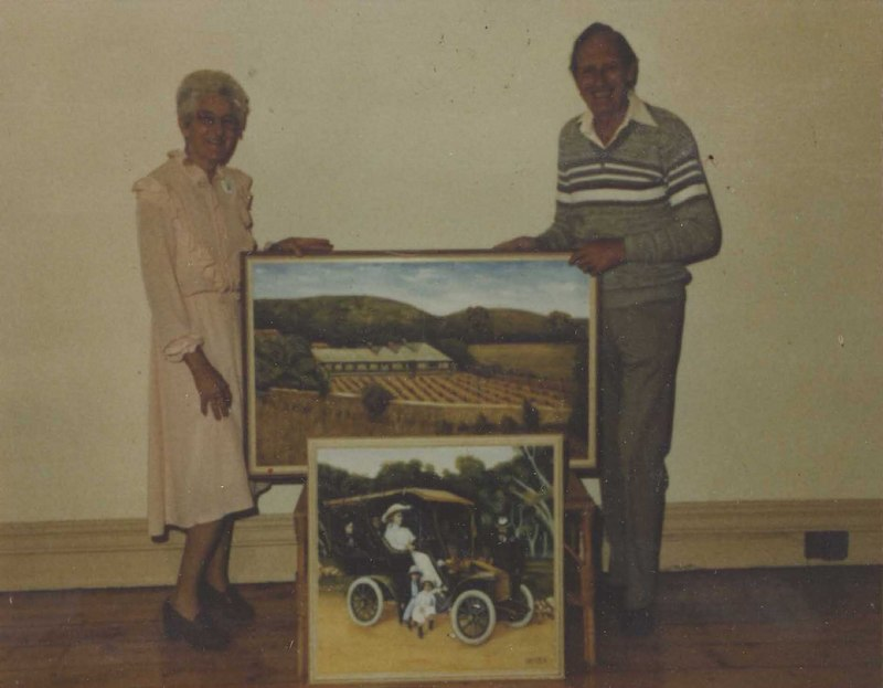 Presentation of Manning Family paintings