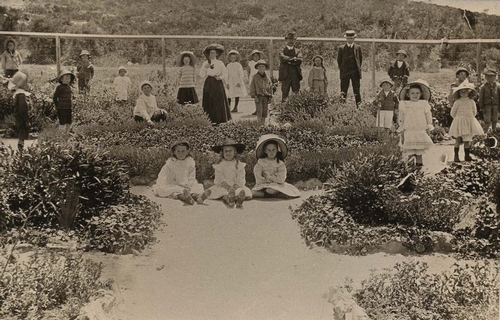 Coogee School children